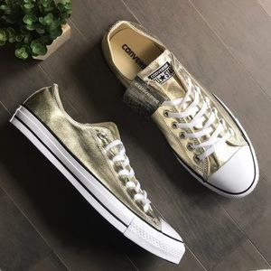 Converse CTAS OX Chuck Taylor Low Top Gold Sneaker